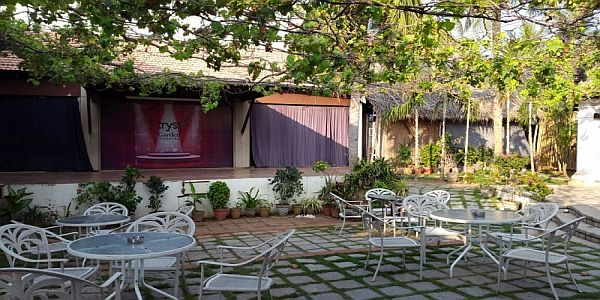 Shiraz Art Cafe-Sea View and Beach Restaurants in Chennai
