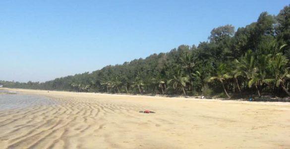 Aksa Beach - Madh Island